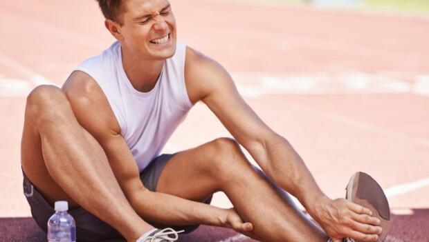 腳抽筋怎麼辦?教你幾招解痛與預防